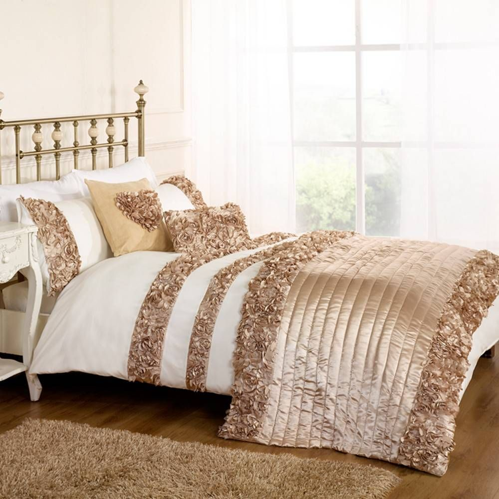 Roses DOUBLE DUVET SET GOLD bedrooms Pinterest