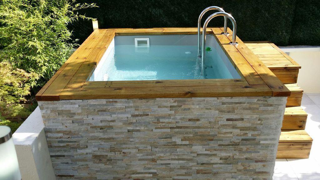 Mini piscine en bois avec habillage en pierre de parement aaaaa bassin cuve 2017 piscine - Piscine hors sol avec escalier interieur ...