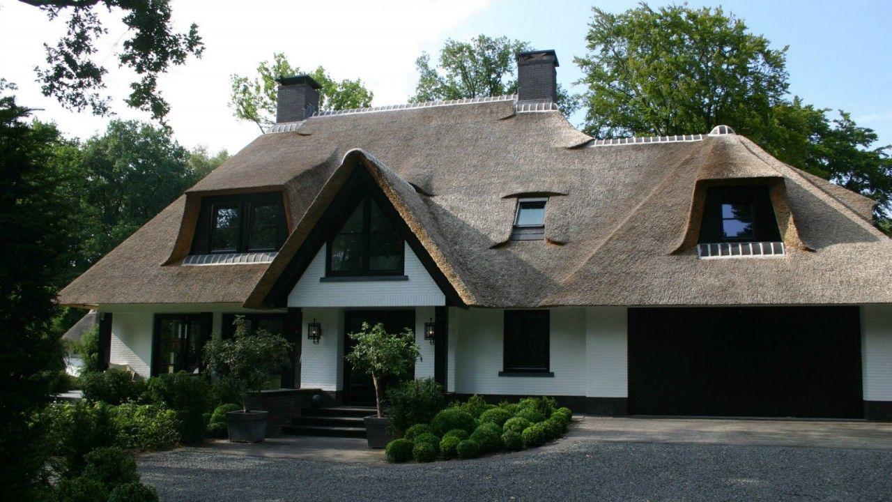Luxe rietgedekte villa bouwen liana pinterest villa for Landelijke villa bouwen