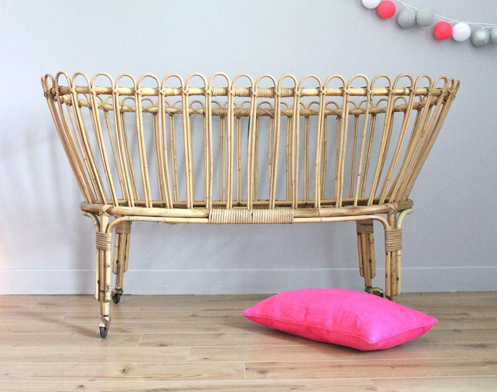 lit de b b en osier des ann es 50 60 les happyvintage le shop. Black Bedroom Furniture Sets. Home Design Ideas