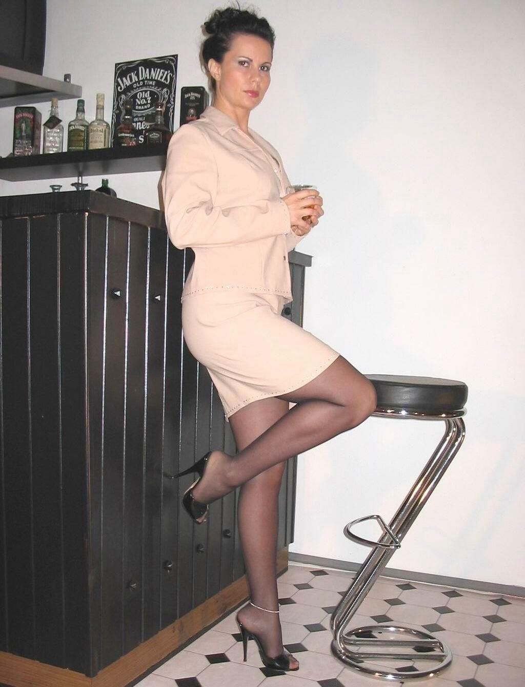 lady in pantyhose sexy legs