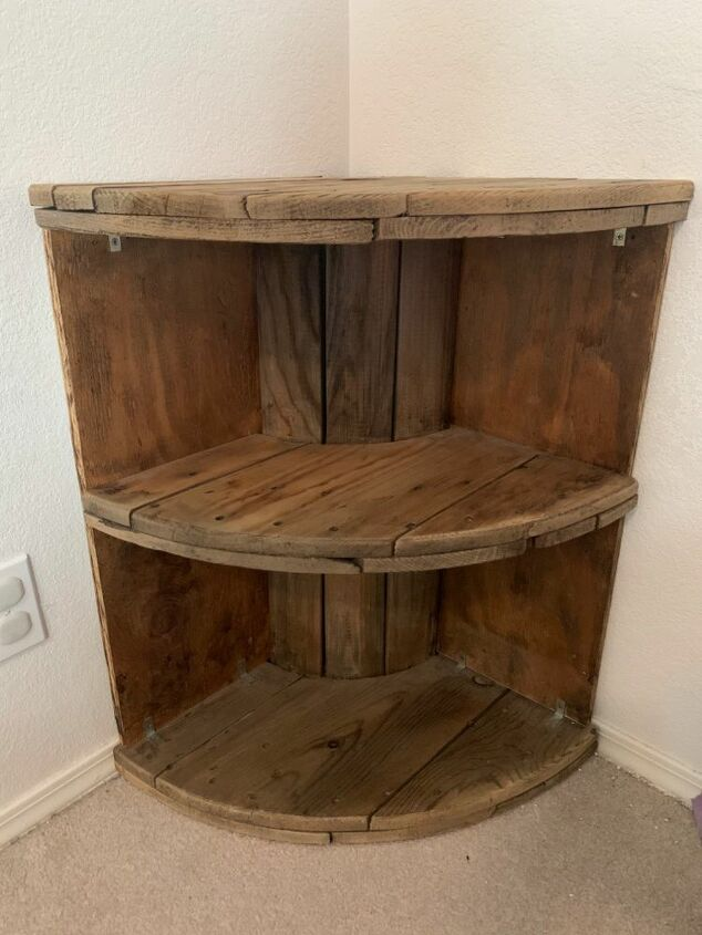 Corner Shelves From A Wooden Spool In 2020 Wooden Spools Wooden Spool Tables Diy Dresser Makeover