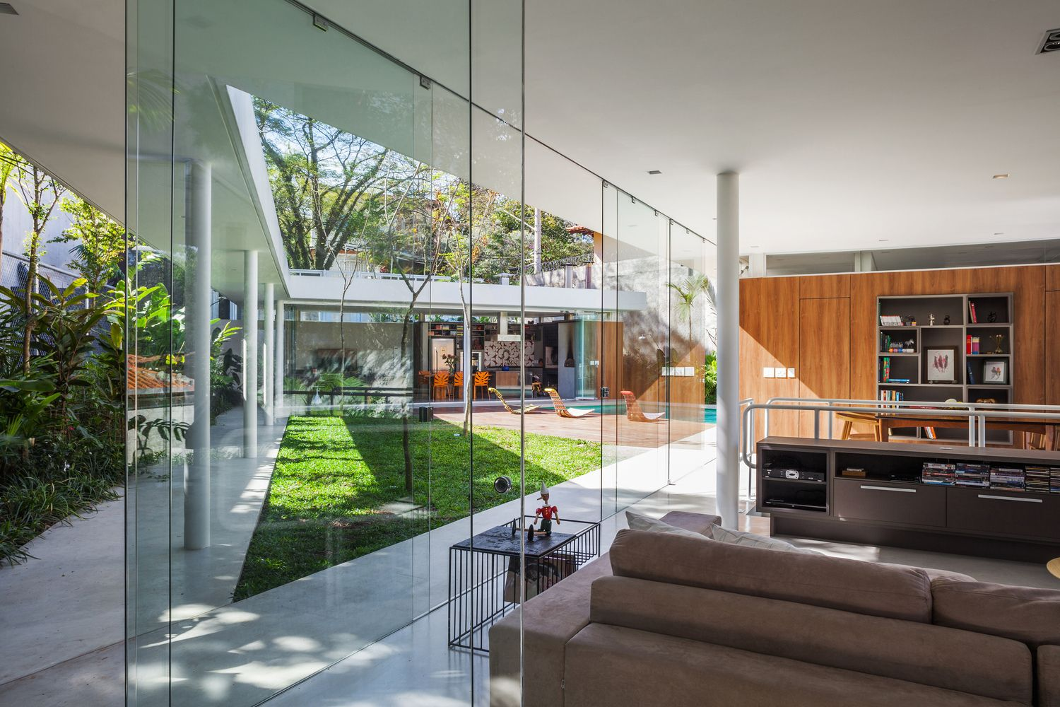 Gallery of Marquise House / FGMF - 19