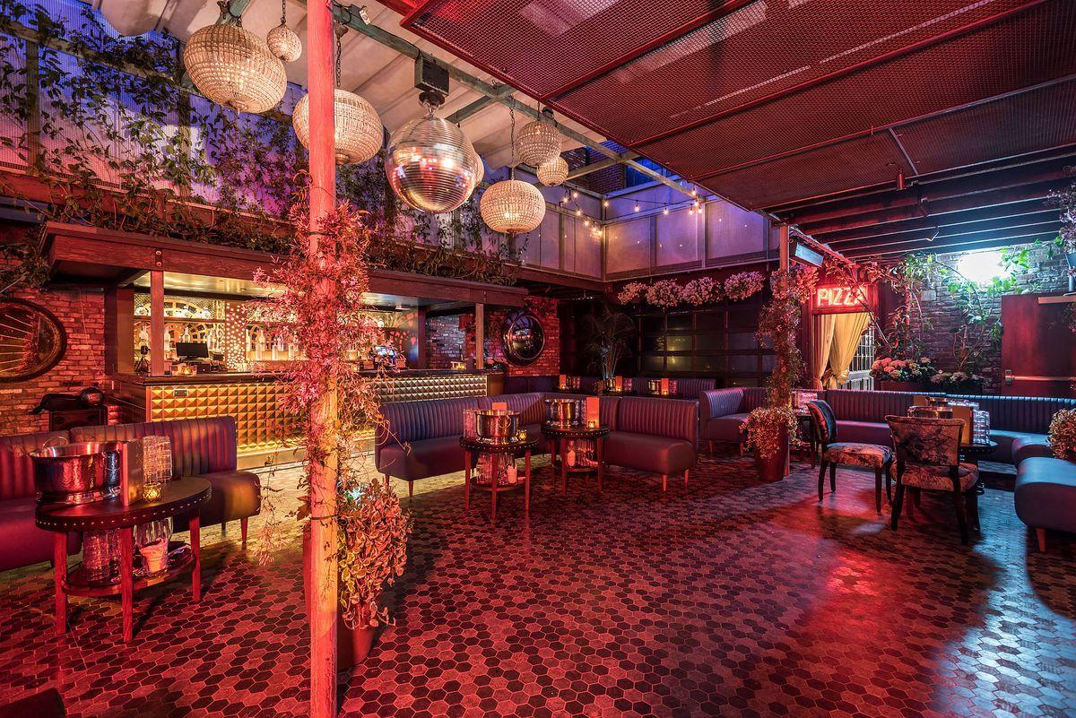 Inside Avenue A Grand Estate Nightclub Opening In Hollywood Dream Hotels Hollywood Nightclubs Night Club