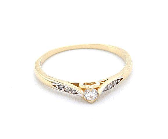 82b0ff0d3 Zlatý zásnubní dámský prsten vyrobený ze žlutého a bílého zlata zdobený  jedním centrálním zirkonem a dalšími