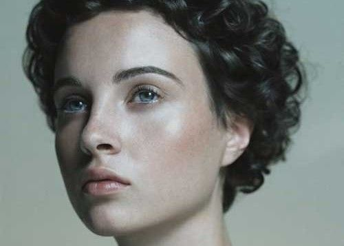 Short-Curly-Hairstyle-500x357.jpg 500×357 pixels