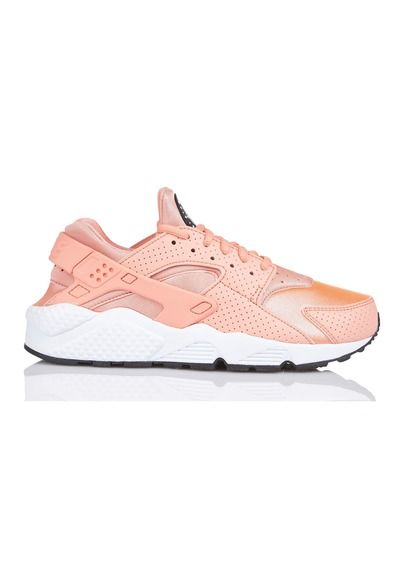 wholesale dealer d6f55 fb795 E-shop Nike - Baskets Huarache Run Rose Nike pour femme sur Place des  tendances Groupe Printemps. Retrouvez toute la collection Nike pour femme.
