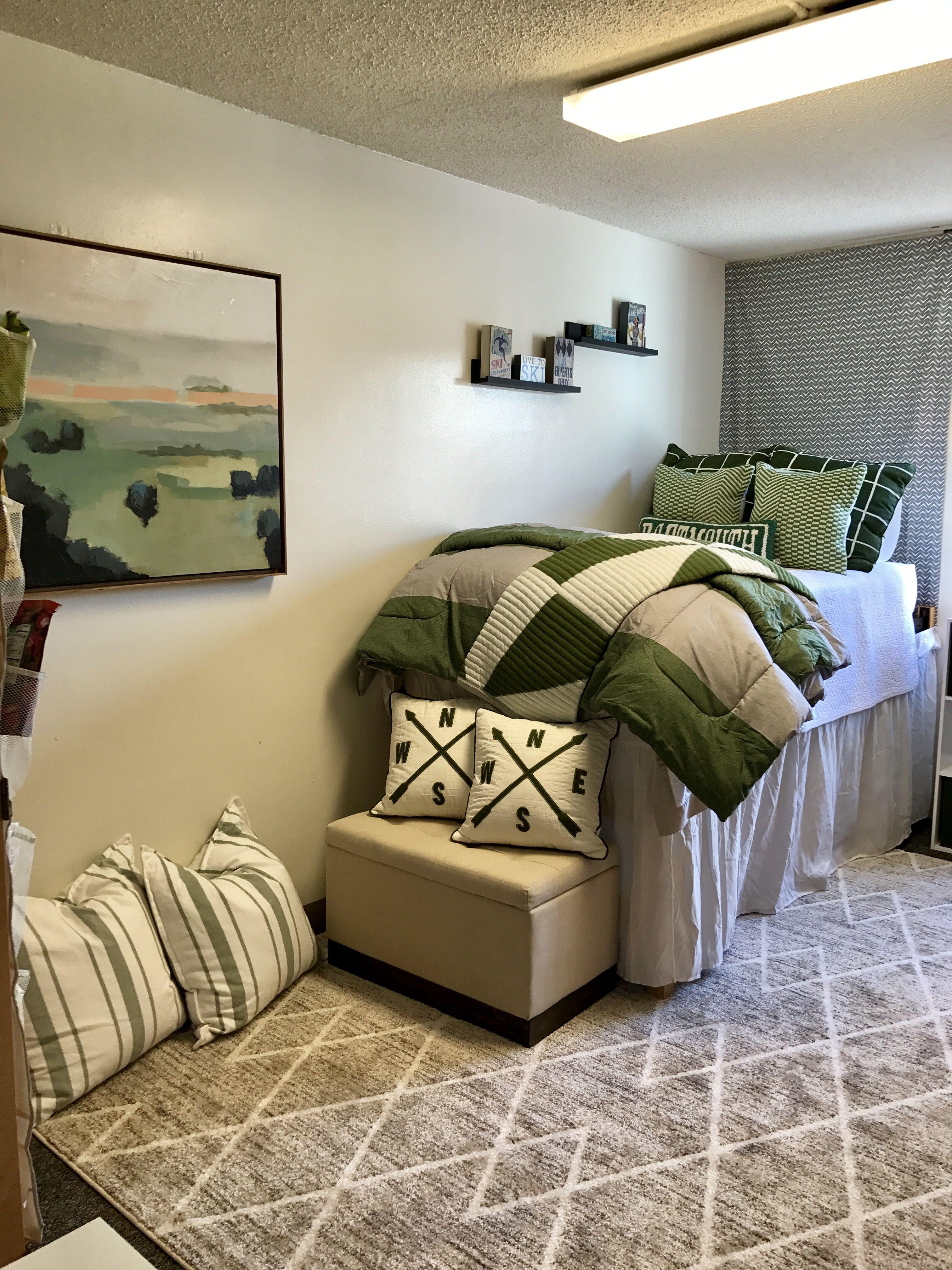 Student Dorm Room: Dartmouth College, Home, Dorm