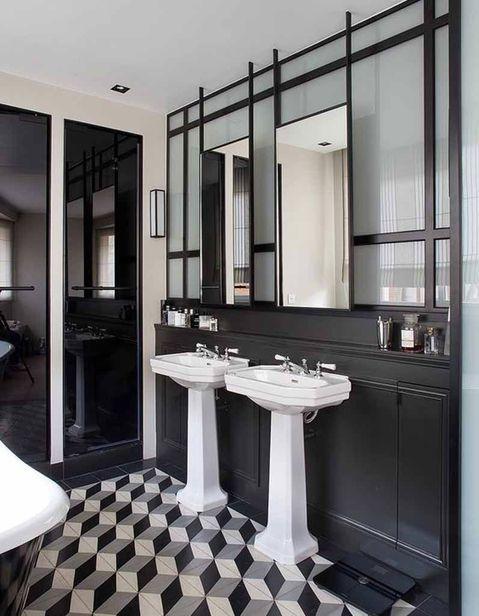 Verriere Interieure La Cloison Transparente Qui A Tout Pour Plaire Salle De Bain Noir Interieur Salle De Bain Et Salle De Bain Art Deco