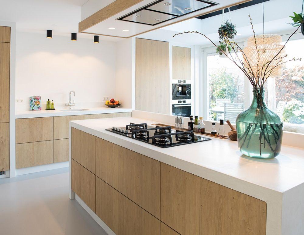 Gietvloer Kitchens Keuken : Eiken keuken en gietvloer mooi met blad van beal mortex island