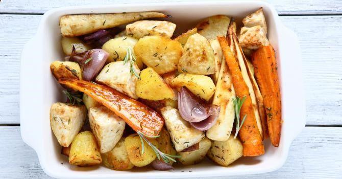 Recette de Légumes minceur rôtis aux herbes et à l'ail. Facile et rapide à réaliser, goûteuse et diététique. Ingrédients, préparation et recettes associées.