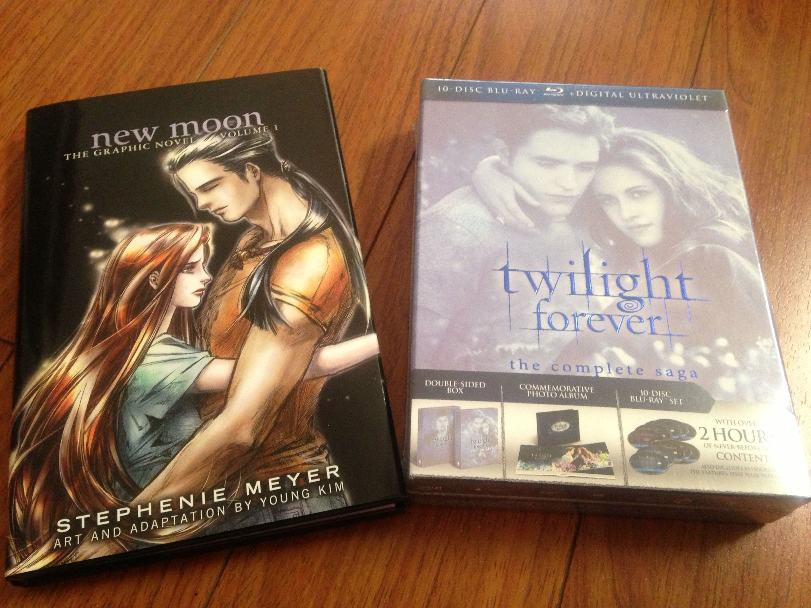 Full set blue-ray and graphic novel... Love it..