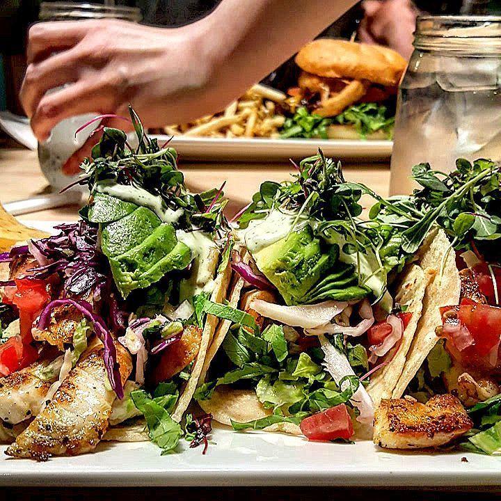 via @gogo_mariranger: Round 2: fish tacos #sacramento #curtispark #meetandeat #fishtacos #farmtofork #farmtofork #saceats
