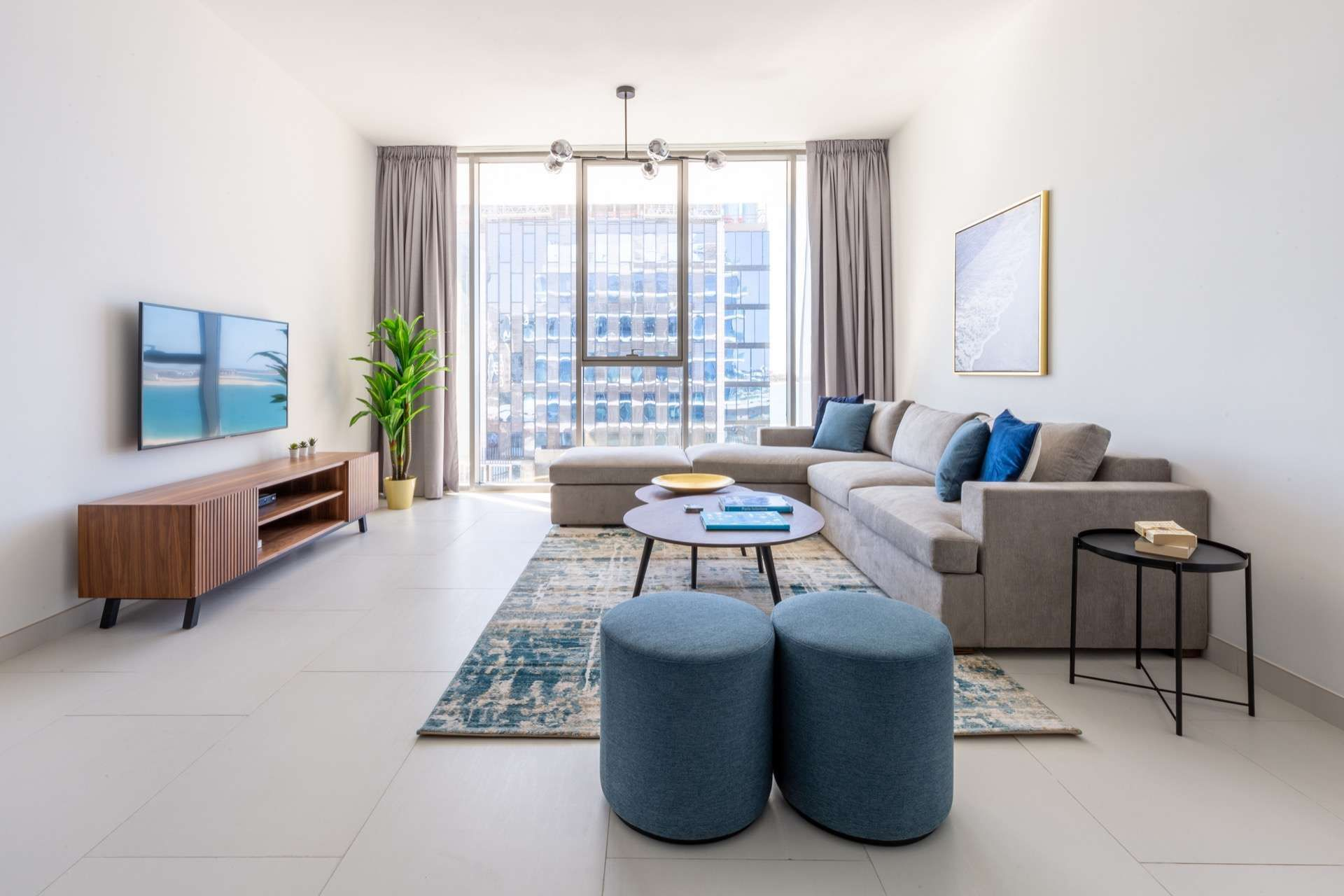 Apartments For Rent In Dubai Furnished Rental Apartments Luxuryproperty Com Luxury Apartments Apartment Decor Looking For Apartments