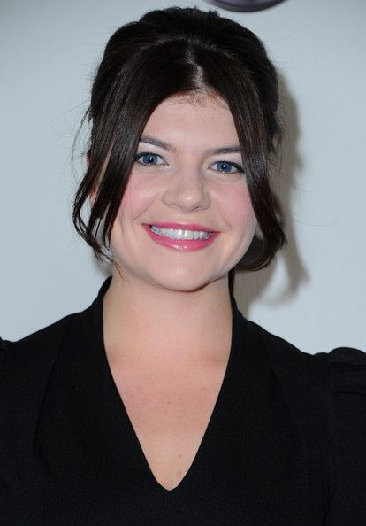 Casey Wilson is adorable.   http://www.zimbio.com/pictures/KGAdlcBWh8_/Disney+ABC+Television+Group+TCA+Winter+Press/WjjU0DS9OLK/Casey+Wilson