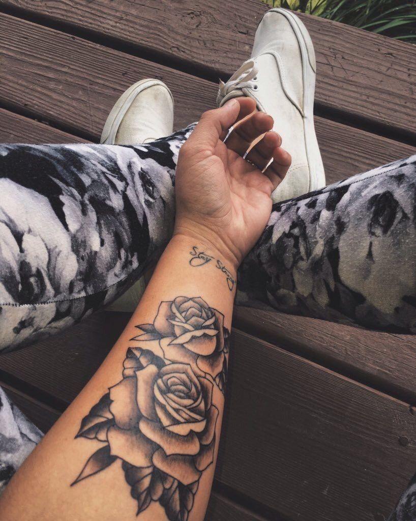 Schriften unterarm innenseite frau tattoo Unterarm Tattoo