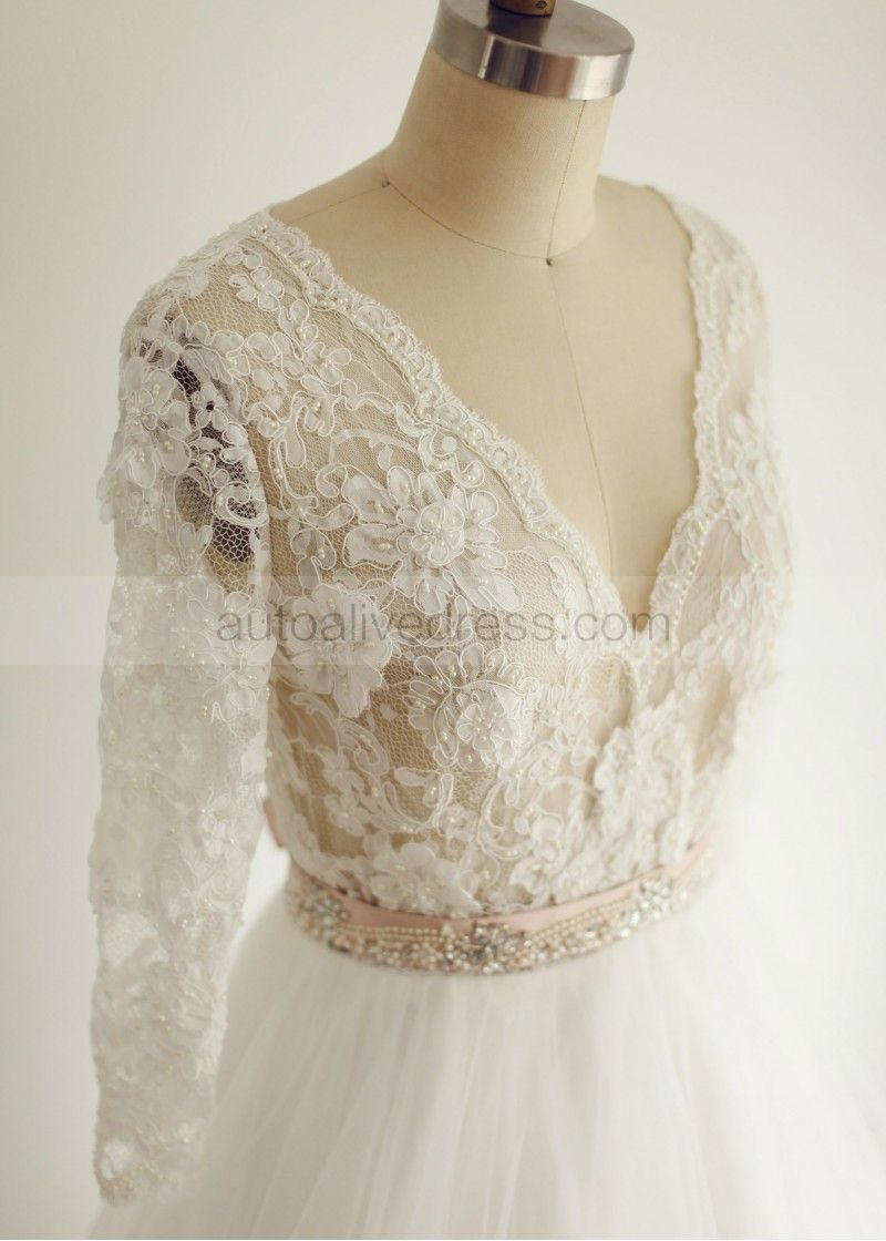 This lace type is very uniqueit can not be dyed into other colors