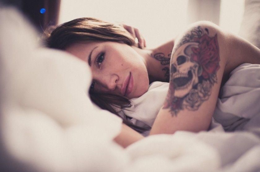 krasivie-lesbiyanki-s-tatuirovkoy-foto