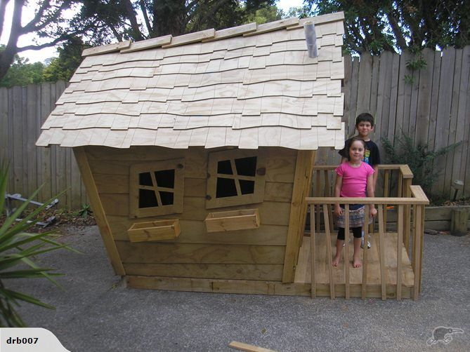 Hillbilly playhouse with floor and deck trade me 39 drb007 for Flat pack garden decking