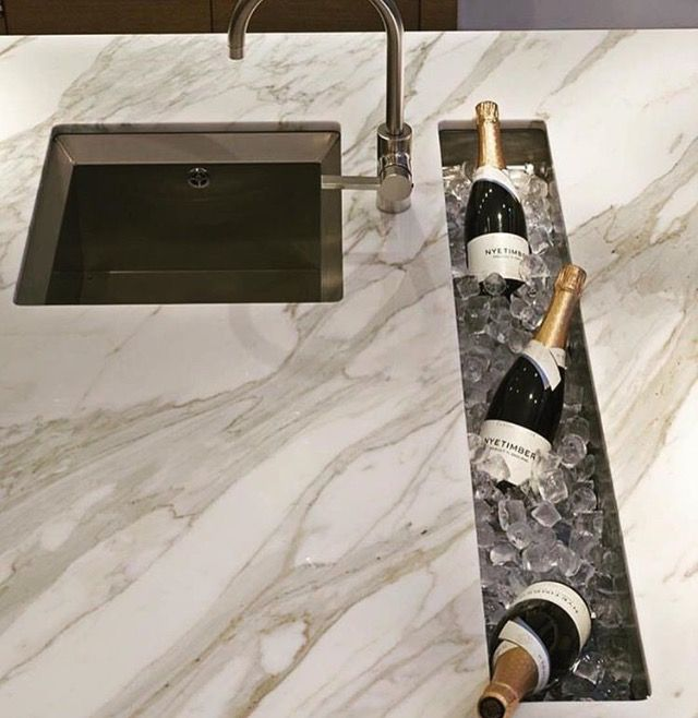 For Bar Area Make Hole With A Removable Cover Plate When Not In Use Muebles De Lujo Diseno De La Cocina Disenos De Unas