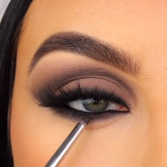 SMOKEY EYE MAKEUP LOOK TUTORIAL