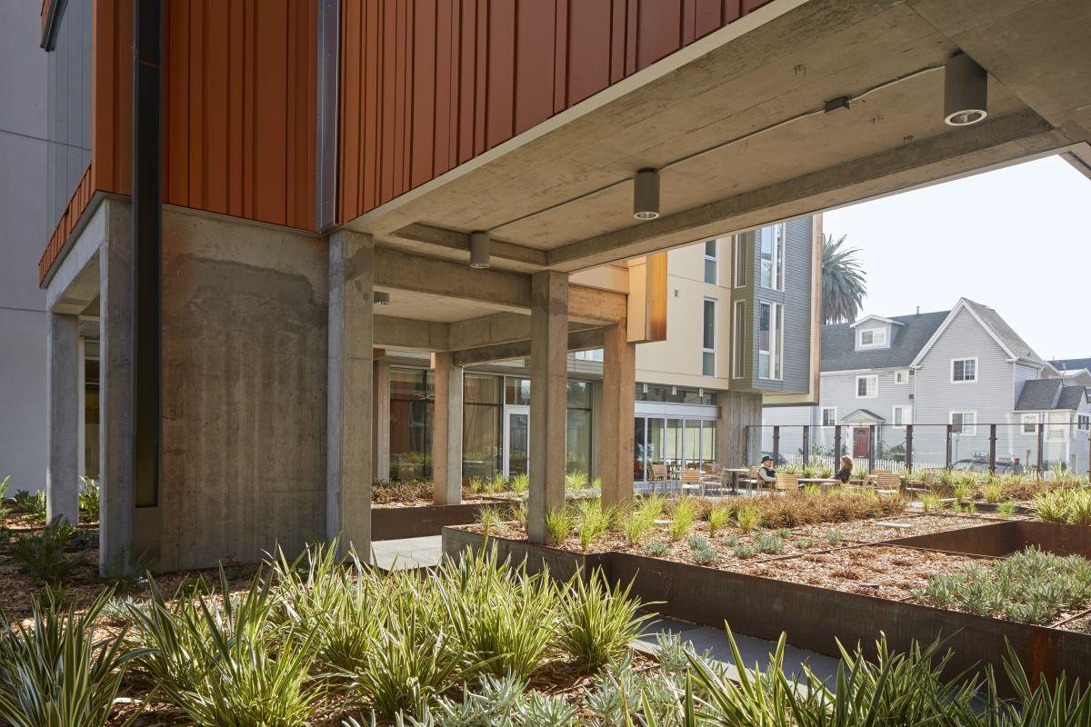 David Baker Architects Lakeside Senior Housing Senior Apartments Architect Affordable Housing