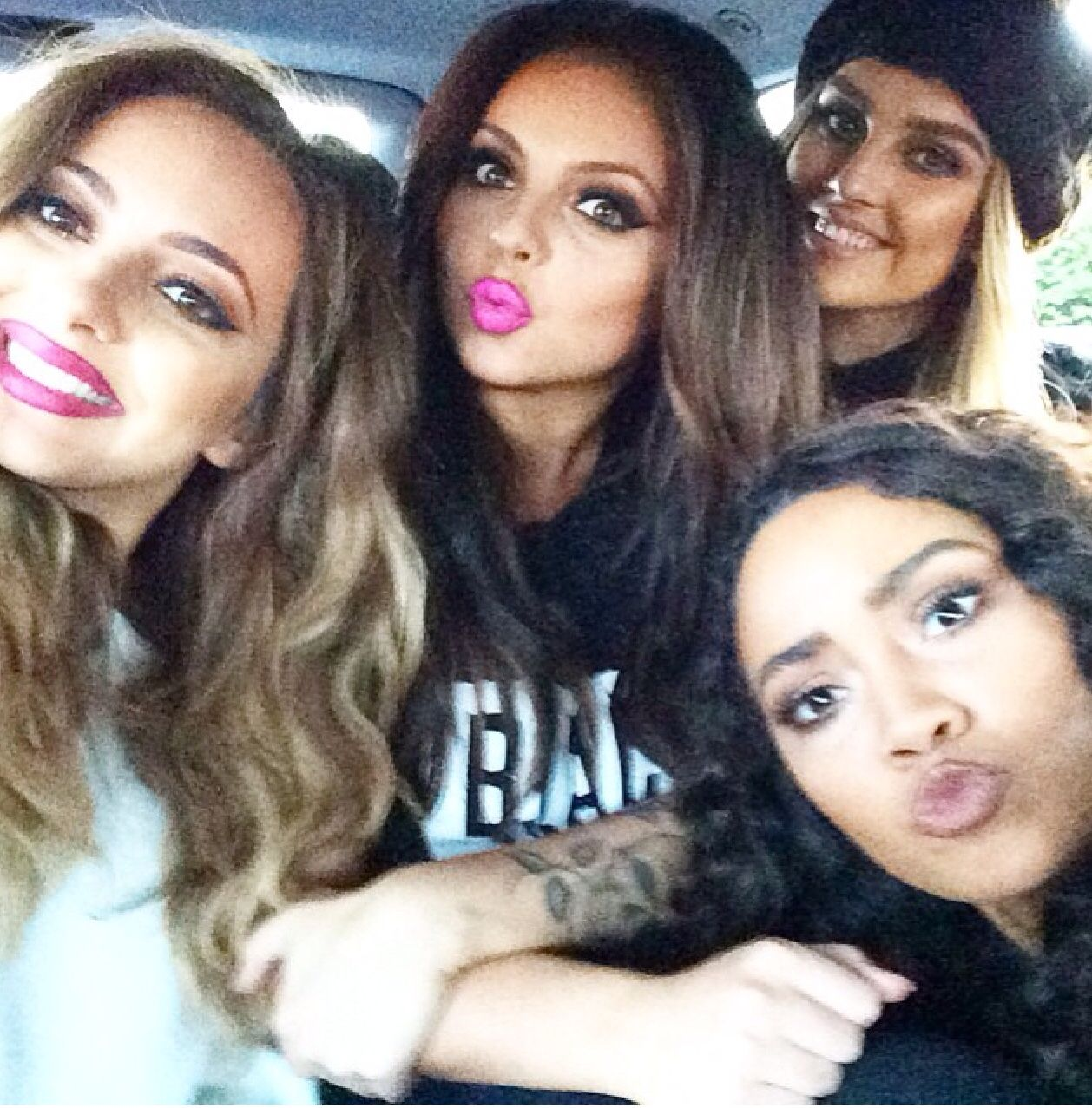 Selfie Little Mix