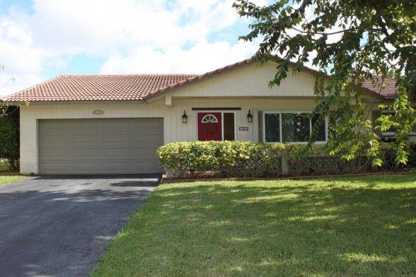 Buy Ramblewood home in Coral Springs