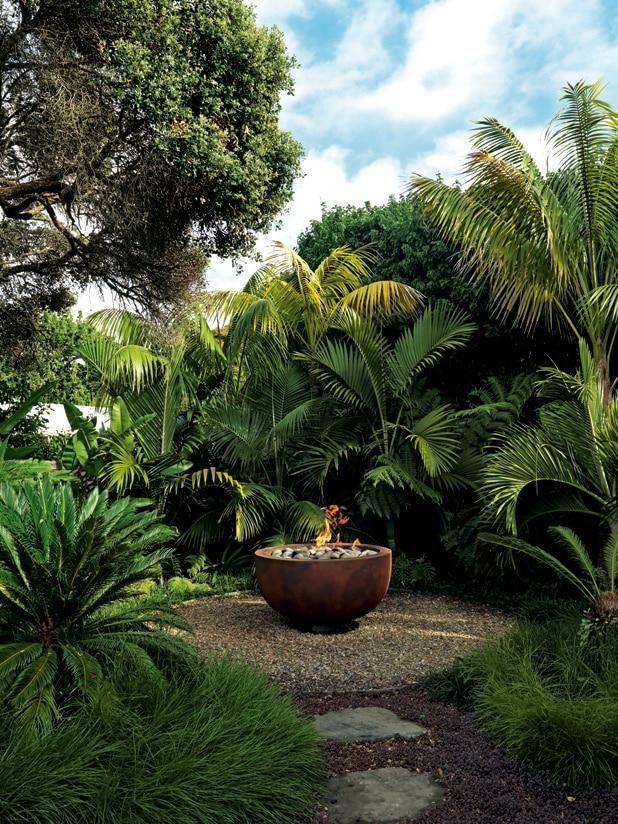 A Tropical Getaway Garden In The Heart Of Auckland Tropical Backyard Landscaping Tropical Landscaping Tropical Garden Design
