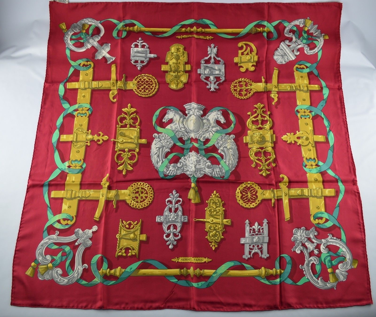 USED HERMES SCARF 100%SILK 36 Ferronnerie BORDEAUX  GOLD  GREEN  GRAY  https://t.co/IHJRmXuzRA https://t.co/oMVNNTxFJx http://twitter.com/Soivzo_Riodge/status/775432133154308096