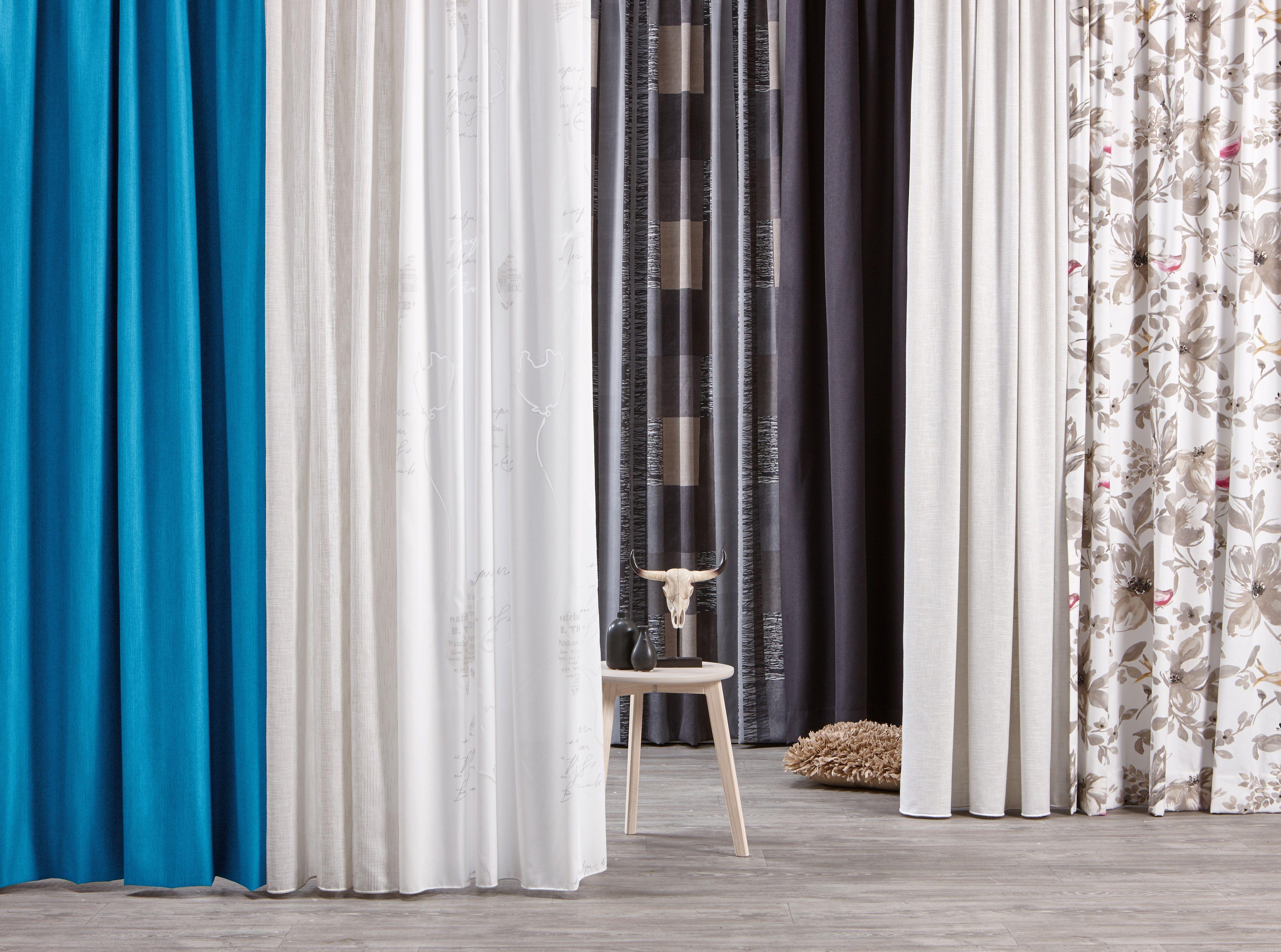 Slaapkamer Gordijnen Verduisterend : Rust in huis met verduisterende gordijnen in koele tinten