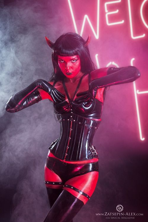 I love this Devil costume so well made! & Wow... I love this Devil costume so well made!   Drag   Pinterest ...