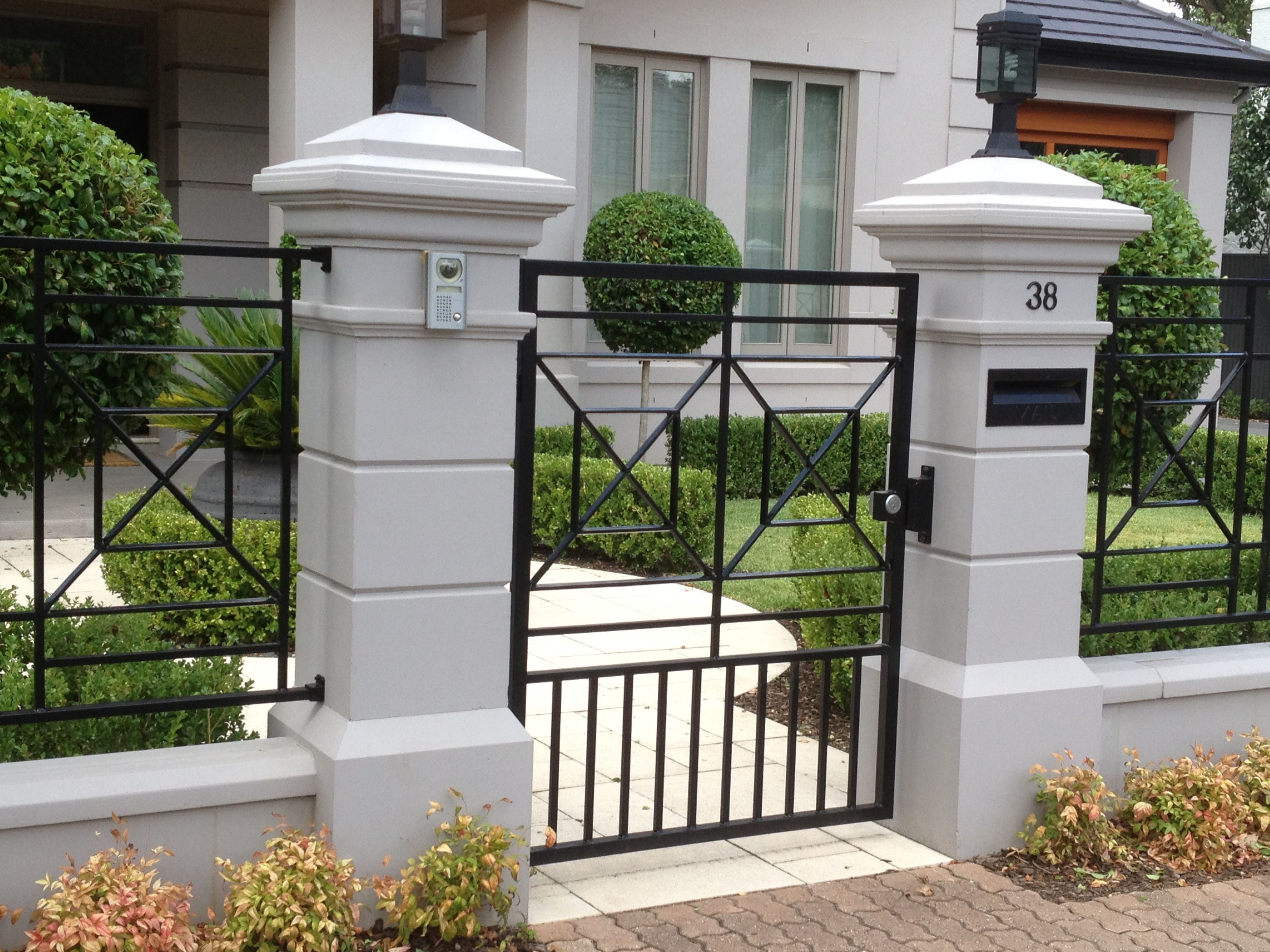 Pin By S Garakyaragh On Pilares Front Yard Fence Fence Design Backyard Fences