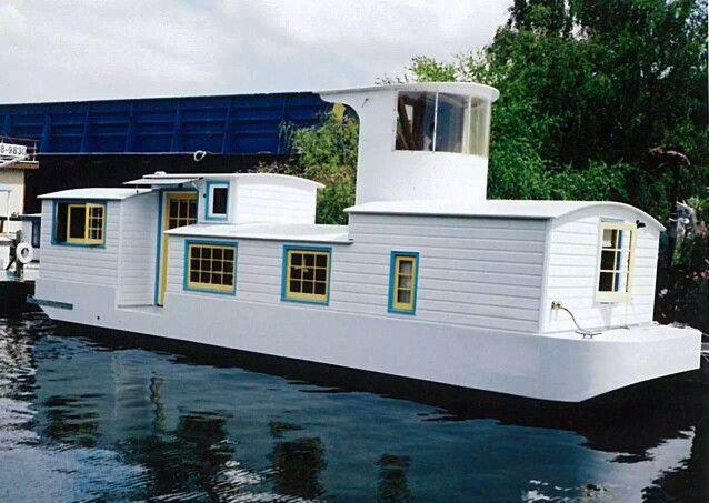 .... HouseBoats ...