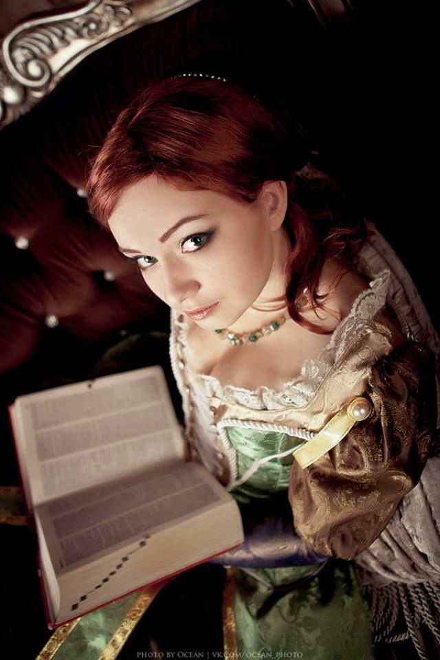Sofia Sartor - Assassins Creed cosplay by Vela Sama