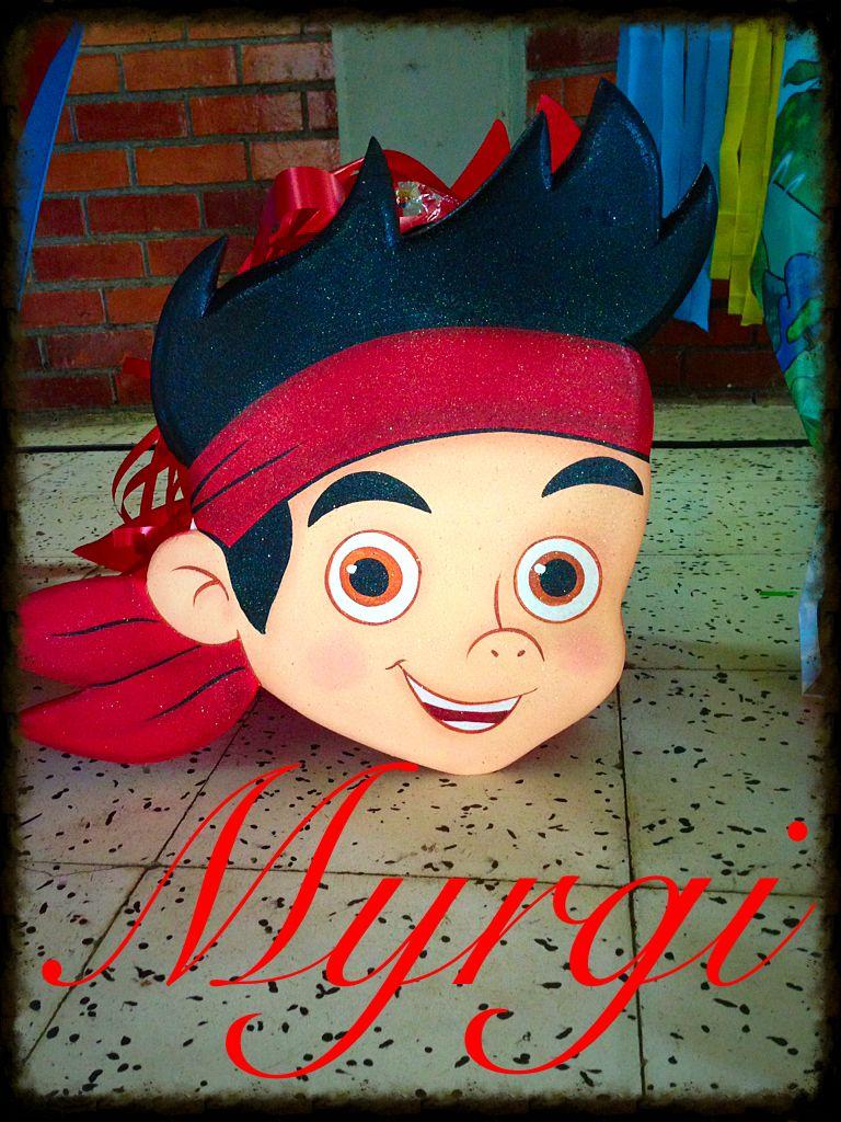 Con ayuda de Globin, piñata de Jake