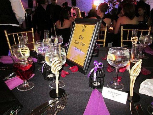 Spooky But Elegant Halloween Wedding Table Settings & Spooky But Elegant Halloween Wedding Table Settings   halloween ...