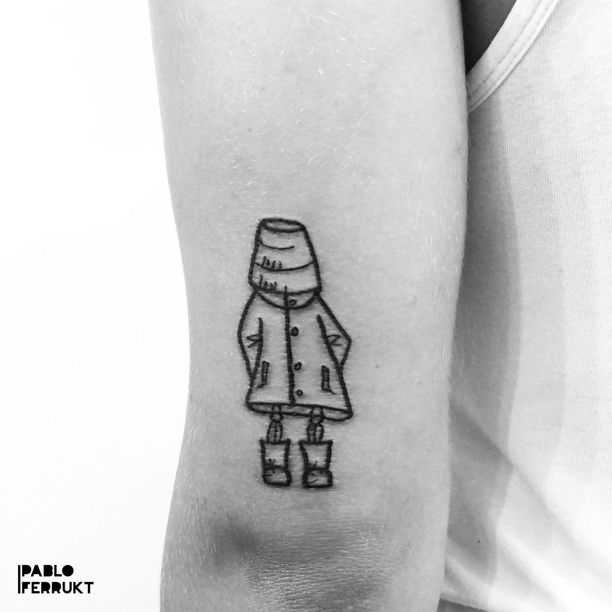 Done yesterday for Lucy, thanks so much!  I am till the 19.08 at @lobster.tattoo, (Split, Croatia)  📍08-09.09 at @szczecintattooconvention, (Stettin. Poland) 📍11-15.09 at @taetowiermanufaktur, (Wuppertal, Deutschland)  Resident in Berlin at @amor_de_madre_berlin.  Appointments at pabloferrukt@icloud.com or DM.⠀ #tattoo . . . .  #tattoos #tat #ink #inked #tattooed #tattoist #art #design #instaart #geometrictattoos #walkindwelcomed #tatted #instatattoo #bodyart #tatts #tats #amazingink #tattedup #inkedup #berlin #berlintattoo #poland #stettin #berlintattoos #skeletontattoo #red  #wuppertal #splitcroatia
