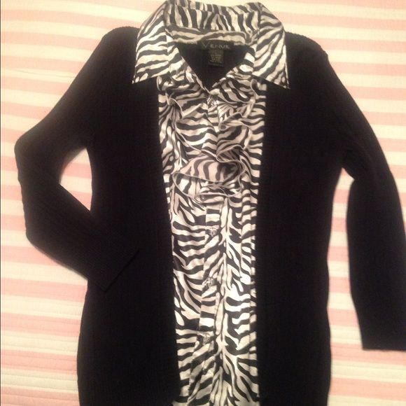 Sweater Blouse Combo By Venue Size Large Animal Print Blouse