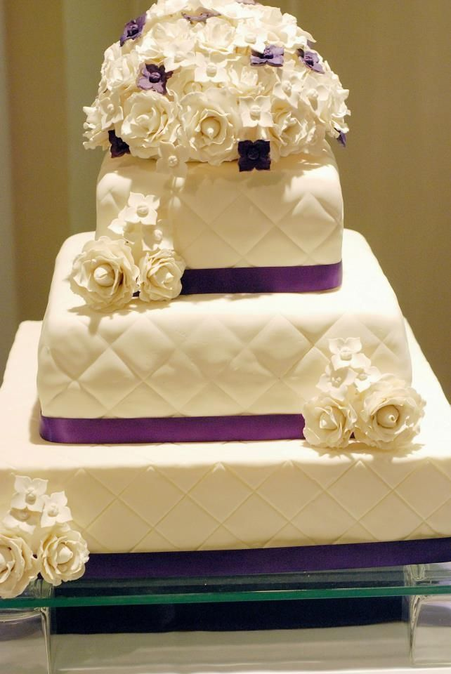 Rose and Hydrangea Cake - Square quilted cake with roses and ...