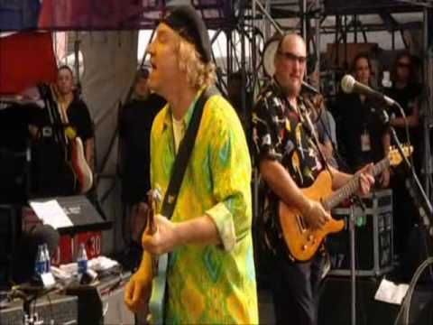 Joe Walsh - Funk 49 - Crossroads Guitar Festival w/Steve Cropper and Duck Dunn