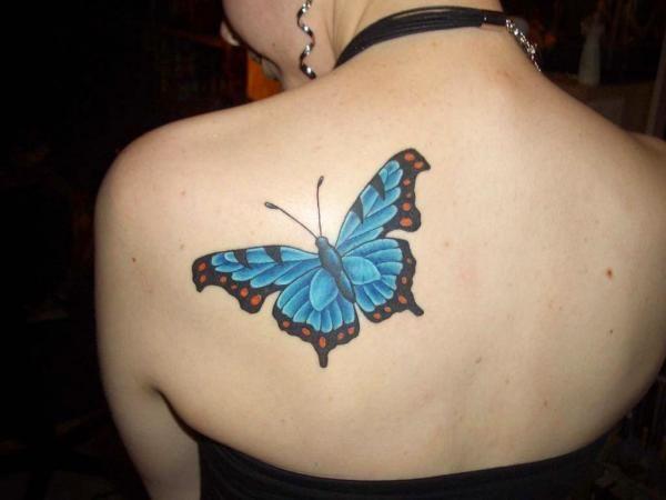 le papillon symbole parfait pour exprimer un grand changement dans votre vie tatouage. Black Bedroom Furniture Sets. Home Design Ideas
