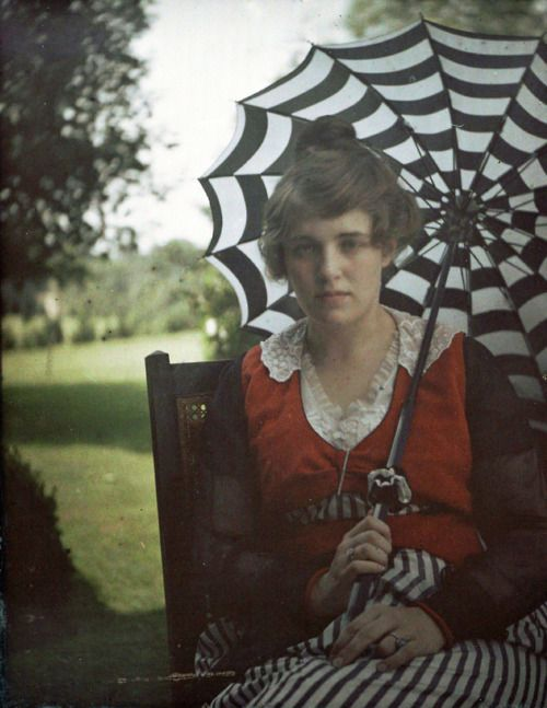 """Alfred Stieglitz's autochrome photo of his niece Flora Stieglitz Straus, ca 1915. """"It's the greatest thing that ever happened to photography,"""" Alvin Langdon Coburn told Alfred Stieglitz in 1907 of color photography, """"I have the color fever badly."""" """"Soon the world will be color-mad,"""" said Stieglitz."""