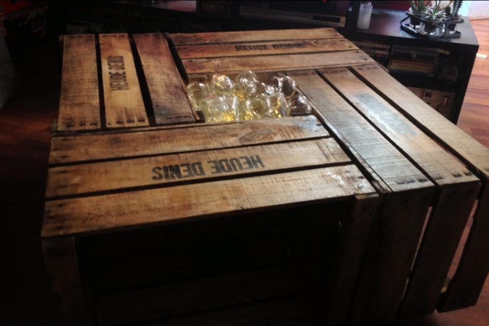 Table Basse Fabriquee Avec Des Anciennes Caisses A Pommes Caisse Pomme Table Basse Decoration Interieure