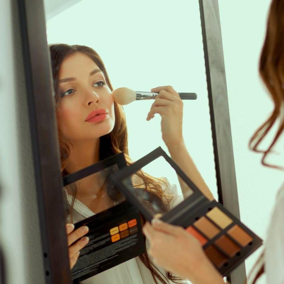 """Das sind die beliebtesten Make-up Tricks auf Pinterest - """"<em>Diese fünf Beauty-Hacks sind die beliebtesten Make-up-Tricks auf Pinterest und sie sind wirklich sehr nützlich. Aber schaut sie euch an.</em>"""""""