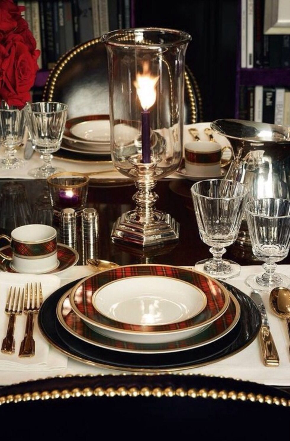 Gorgeous Christmas place setting. Love the plaid with black and gold.
