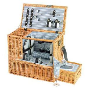 4 Person Picnic Hamper With Cooler Tray