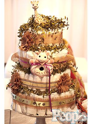 Jenna Bush Hager Baby Shower. What a stunning diaper cake . . . adorable! Image only, no tutorial.