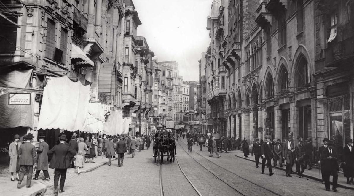 grand rue de pera ile ilgili görsel sonucu