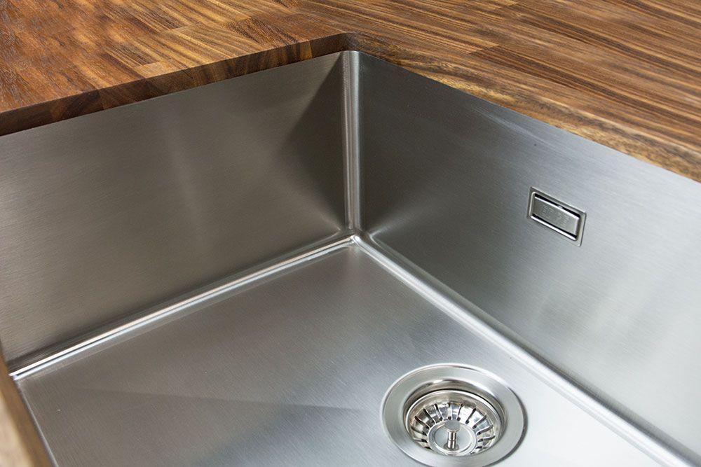 Hochwertige Edelstahlspülen lassen sich fugenlos in Arbeitsplatten - spülbecken küche keramik